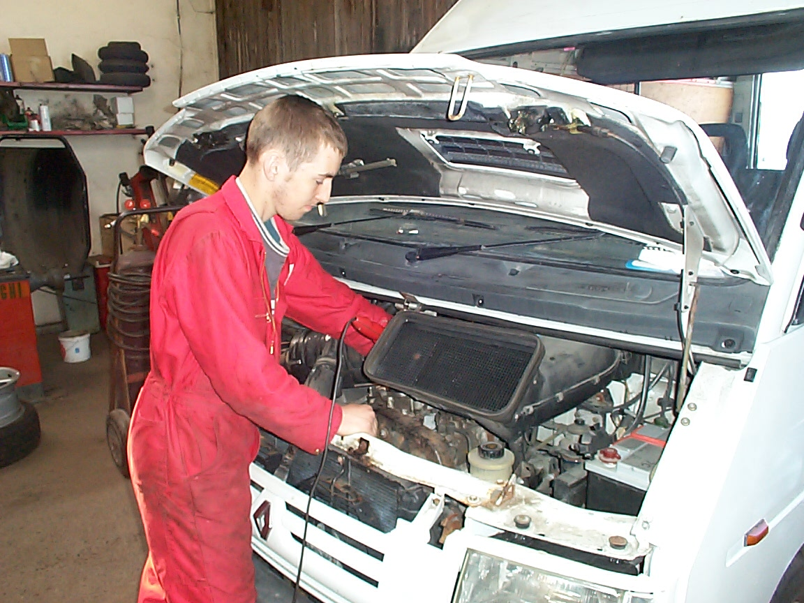 Fuel Pump Replacement At An Auto Shop In Chicago