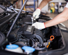 Signs That Your Range Rover's Battery Needs Replacement